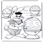 La lepre di Pasqua decora le uova